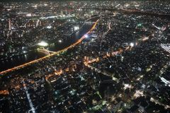 东京从高度的夜视图350米 免版税库存照片