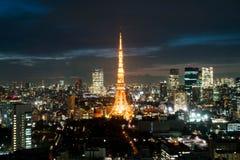 东京在黄昏的市地平线 库存照片