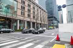 东京大厦和路作为街道日本人生活方式 旅行亚洲都市风景2017年3月31日的 库存图片
