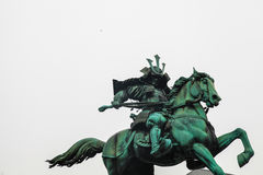 东京故宫|地标武士雕象在2017年3月31日的日本 库存照片