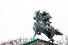 东京故宫|地标武士雕象在2017年3月31日的日本 免版税库存图片