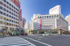 东京池袋区的行人穿越道  库存图片