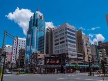 东京浅草街道视图在一个晴天-东京,日本- 2018年6月19日 免版税库存图片
