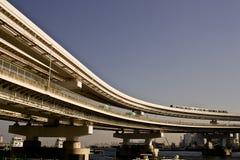 东京海湾,彩虹桥梁。 库存照片