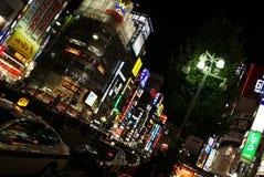 东京街,日本在晚上 免版税库存图片