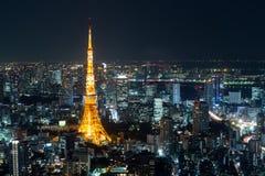 东京铁塔夜间视图,东京市视图在晚上,东京, 免版税图库摄影