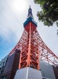 东京铁塔-一个著名地标在城市-东京,日本- 2018年6月12日 免版税库存图片