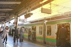 东京,日本:2014年11月13日-人群人旅行 库存照片