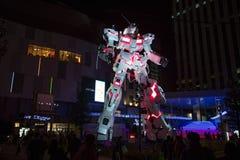 东京,日本- 2017年11月19日:有夜光的Gundam机器人在Odaiba,日本 免版税库存照片