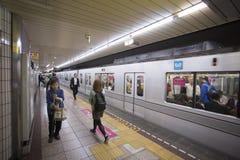 东京,日本- 2016年5月30日:东京地下铁地铁 库存图片