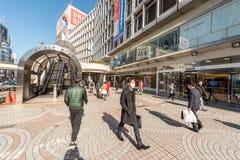 东京,日本- 2017年1月25日:东京新宿站地区 免版税库存图片