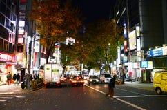 东京,日本- 11月28 :涩谷是公认的青年时尚 库存照片