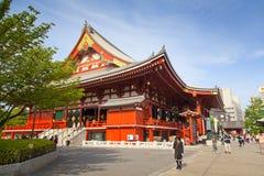 东京-大约2016年6月:Sensoji籍红色日本寺庙在浅草,东京, 5月16,2016的日本 库存照片