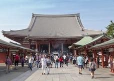 东京-大约2016年6月:Sensoji籍红色日本寺庙在浅草,东京, 5月16,2016的日本 免版税库存照片