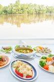 东南亚烹调集合,日本虾用沙拉,鱼器官酸汤泰国样式,鱼子酱南部的样式,油煎 免版税库存图片