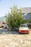 从东德的古董车在Kusturica Drvengrad,塞尔维亚 免版税库存图片