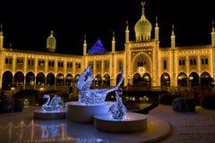 东方宫殿在夜在Tivoli庭院里,哥本哈根之前 图库摄影