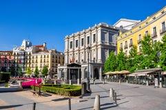 东方形的Plaza de Oriente和皇家剧院真正的Teatro,马德里,西班牙 免版税库存图片
