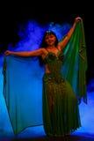 东方服装的跳舞妇女 库存照片