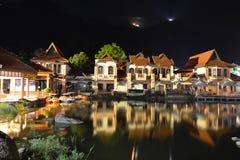 东方村庄在晚上 库存照片