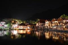 东方村庄在晚上 免版税库存图片