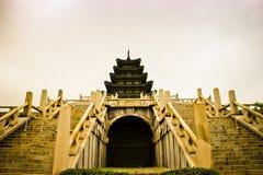 东方样式塔在韩国 免版税库存照片