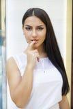 东方样式 肉欲的阿拉伯妇女模型 美丽的干净的皮肤 库存照片