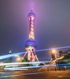 东方珍珠塔在晚上,长海,中国 库存照片