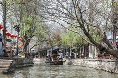 东方的威尼斯-在上海附近的运河 免版税库存照片