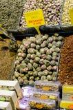 东方香料和茶在盛大义卖市场在伊斯坦布尔,土耳其 免版税库存图片