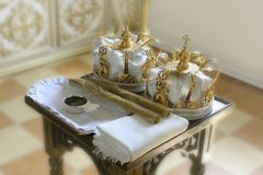 东正教的神圣的属性婚礼的仪式的 免版税库存照片