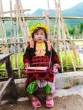 东范,河江市,越南, 2017年11月14日, :种族Hmong的孩子在河江市,越南 河江市是家庭对主要Hmong 库存图片