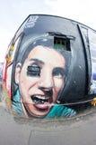 东边画廊-街道艺术和街道画在柏林,德国 免版税库存图片