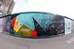 东边画廊-街道艺术和街道画在柏林,德国 图库摄影