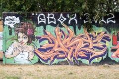 东边画廊-街道艺术和街道画在柏林,德国 库存照片