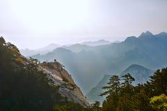 东部峰顶和波浪起伏的小山 库存图片