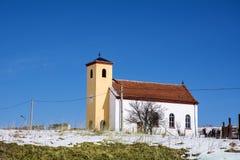 丝毫教会在冬天 免版税库存图片