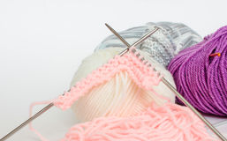 丝球和编织针 库存图片