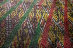 丝绸样式泰国丝织物无缝的编织样式纹理背景 免版税库存照片