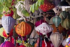 丝绸灯笼在会安市,越南 库存图片