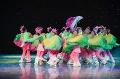 丝绸爱好者中国种族舞蹈 免版税库存图片