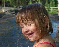 丢弃女孩少许水 免版税图库摄影