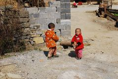 两个中国小孩 库存照片