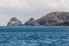 两个兄弟费尔南多・迪诺罗尼亚群岛海岛 免版税图库摄影