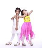 两个可爱的小女孩 库存图片