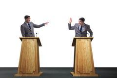 两个商人有热烈的讨论在公开讨论 免版税库存照片