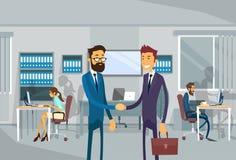 两个商人震动手,在办公室协议概念的商人立场 库存例证