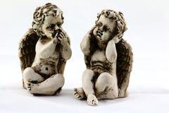 两个天使小雕象 免版税库存图片