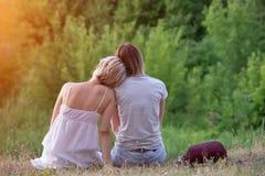 两个女同性恋者本质上 免版税库存照片