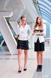 两个女商人 免版税库存照片